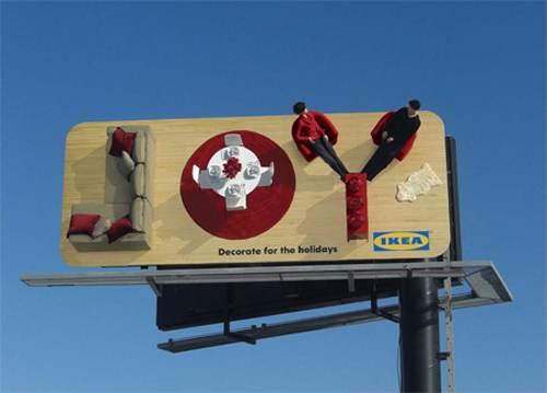Bilbord z reklamą sklepu IKEA. Urządzanie mieszkania z IKEĄ daje dużo radości