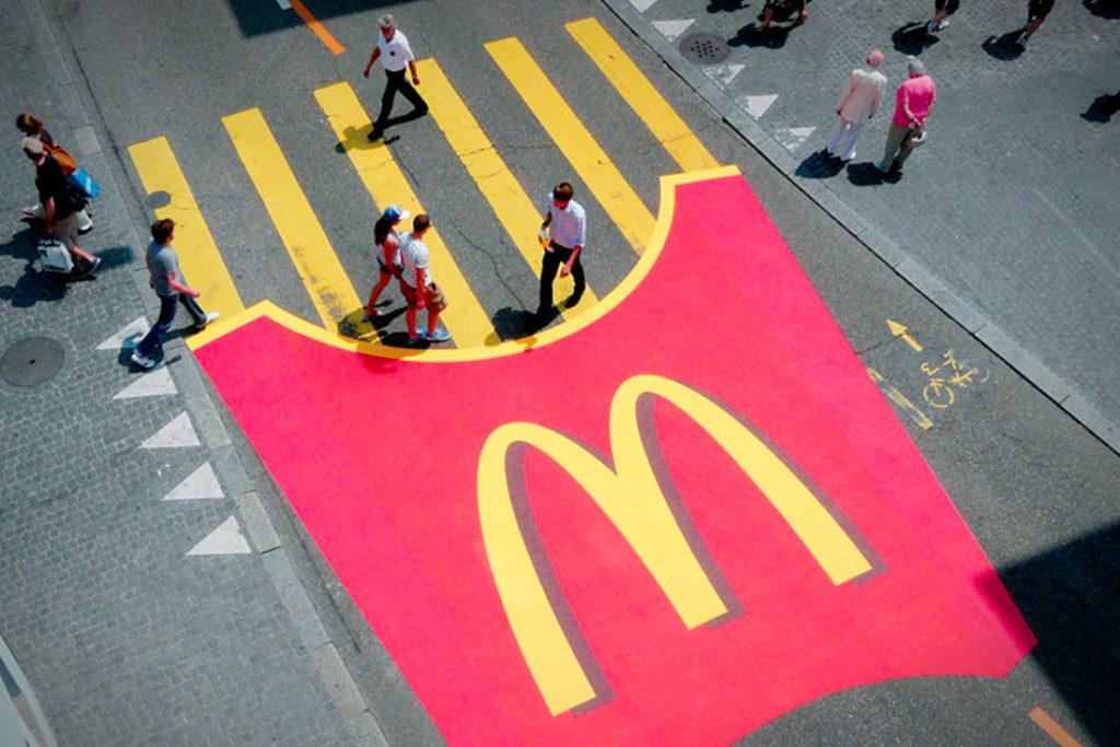 pasy w formie frytek z McDonald's - przechodzę i wchodzę wprost do restauracji po świeżą porcję dla siebie